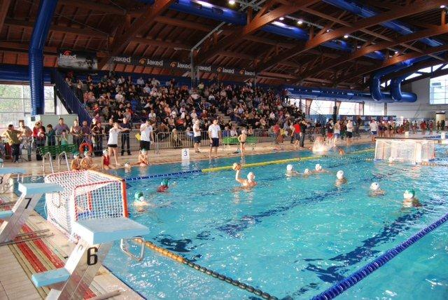 Cremona piscine corsi acquagym nuoto idrobike acquabike - Piscina comunale livorno corsi acquagym ...